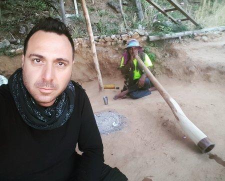 nukesh dhiman jungel vibes rishikesh india didgeridoo מוקש רישיקש דיג'רידו אייל עמית